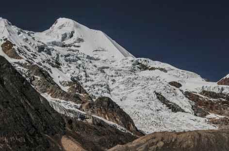 Plein cadre sur un des sommets de l'Illimani - Bolivie -