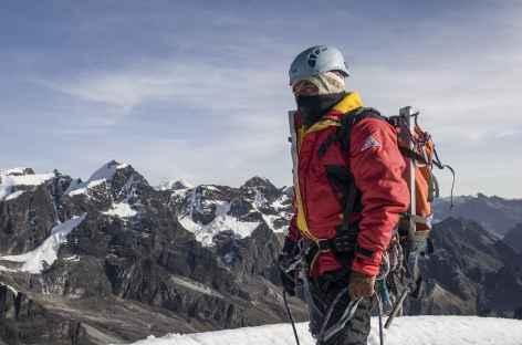Cordillère Royale, au sommet du Pequeno Alpamayo - Bolivie -