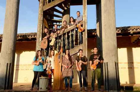 L'ensemble Paraguay Barocco avant le concert -