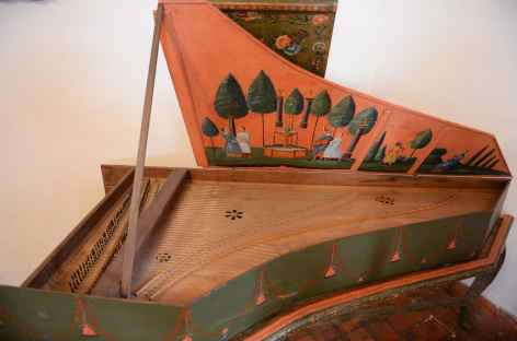 Clavecin local du XVIIe au musée de Sucre - Bolivie -