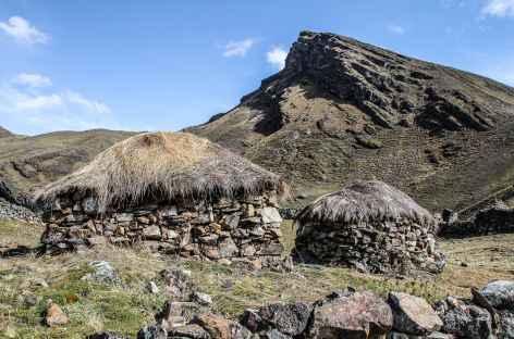 Hameau au bord de lagune Chuchuja - Bolivie -