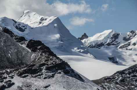 Belle ambiance glaciaire les lagunes Kanuhuma et Pujo Pujo - Bolivie -