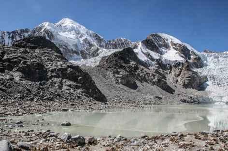 La laguna Glaciar au pied de l'Illampu - Bolivie -