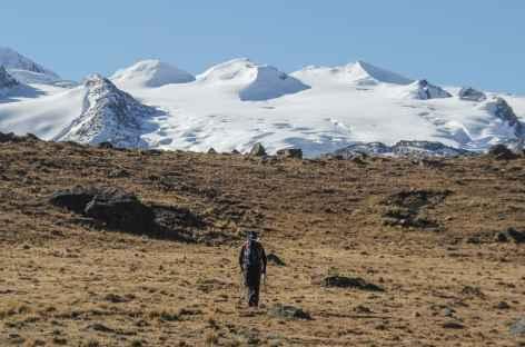 Marche vers notre camp au pied du Chaupi Orco - Bolivie -