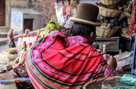 La Paz, Cholita dans la rue des sorcières - Bolivie -