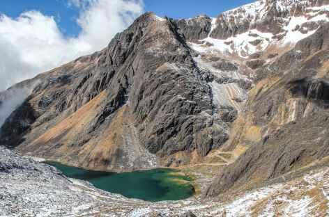 Vue sur la lagune Cotacucho depuis le col Enrique - Bolivie -