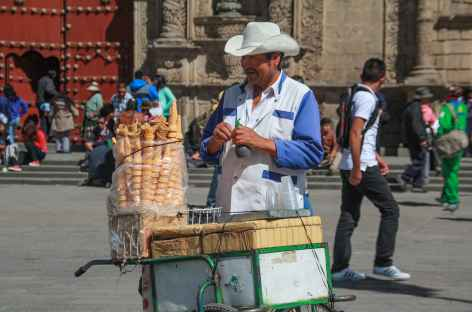 La Paz, sur la place San Francisco - Bolivie -