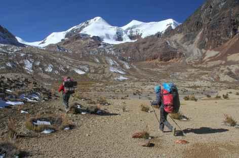 Marche au pied du Cerro Don Luis - Bolivie -