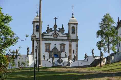 Congonhas, basilique de Bom Jesus de Matosinhos avec les statues des 12 prophètes - Brésil -