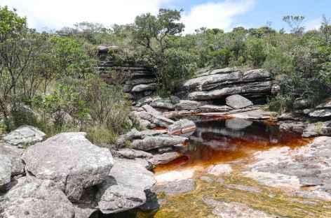 La rivière qui donne naissance à la cascade de Fumaca dans la Chapada Diamantina - Brésil - Brésil -