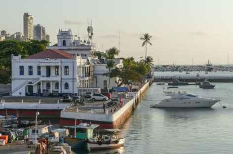 Salvador de Bahia, coucher de soleil sur la baie de Tous les Saints - Brésil -