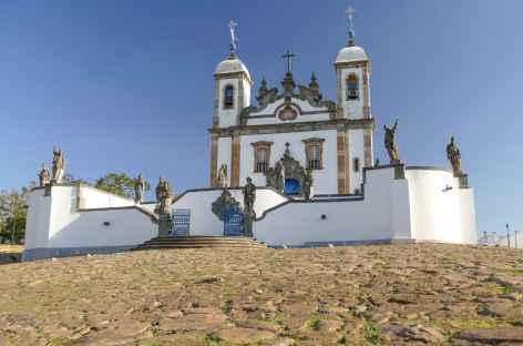 Basilique de Bom Jesus de Matosinhos avec les statues des 12 prophètes - Brésil -