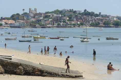 Plage dans la ville basse de Salvador de Bahia - Brésil -