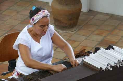 Fabrication de cigares à l'usine Dannemann de Sao Felix - Brésil -