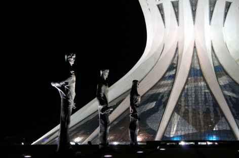 La cathédrale de Brasilia de nuit - Brésil -