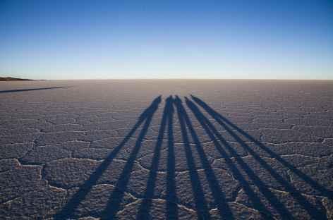 Jeu d'ombres sur le salar d'Uyuni - Bolivie -