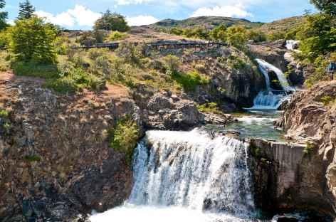 Belle cascade autour de notre lodge - Chili -