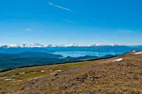 La vue se dégage en montant au Lindero Magellanes - Chili -