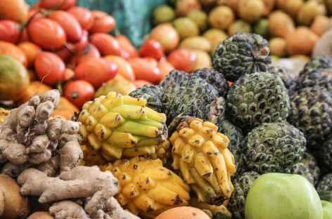 Etal de fruit sur le marché de Silvia - Colombie -