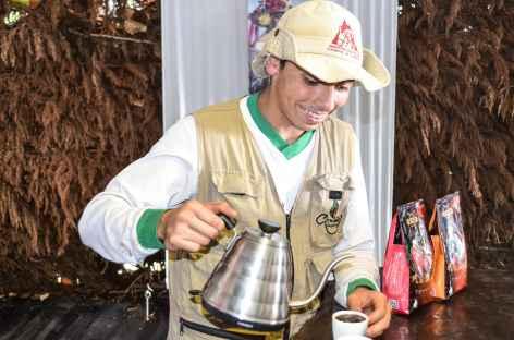 Dégustation de café dans une plantation - Colombie -