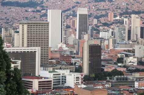 Vue sur le centre de Medellin depuis le Cerro Nutibara - Colombie -