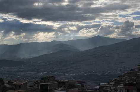 Medellin dans son écrin de montagnes - Colombie -