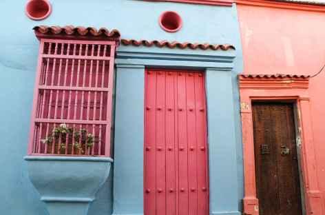 Façade colorée dans la vieille ville de Carthagène - Colombie -