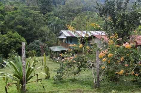 Halte pour le déjeuner au village de Piedras Blancas - Costa Rica -
