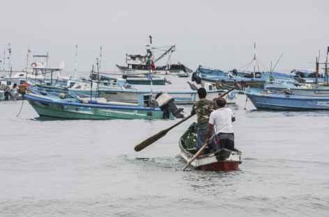 Pêcheurs sur le départ à Puerto Lopez - Equateur -