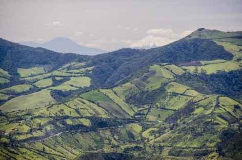Vue sur le volcan Antisana depuis Cuicocha - Equateur -