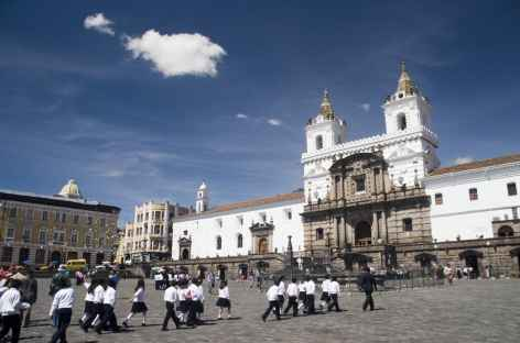 Quito, la place Santo Domingo - Equateur -