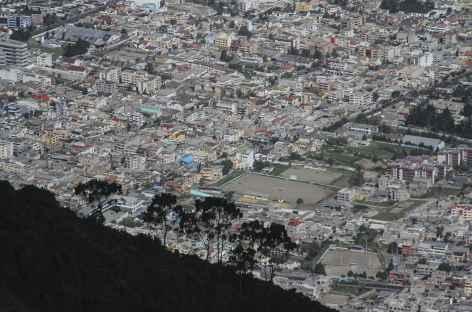 Vue plongeante sur Quito - Equateur -