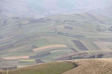 Les flancs cultivés du Chimborazo - Equateur -