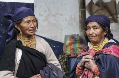 Rencontre sur le marché d'Otavalo - Equateur -