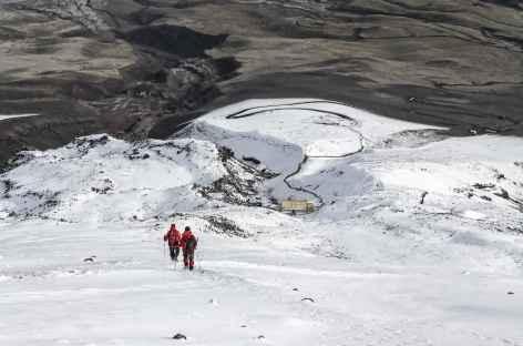 Descente sur le refuge après l'ascension du Cotopaxi - Equateur -