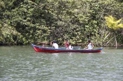 Rencontre sur le rio Dulce - Guatemala -