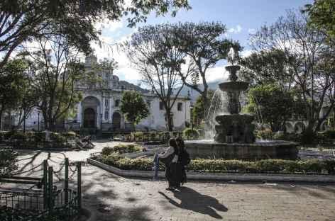La place principale d'Antigua - Guatemala -