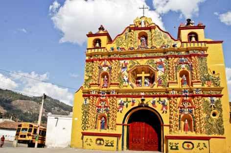 L'église colorée de San Andres Xecul - Guatemala -