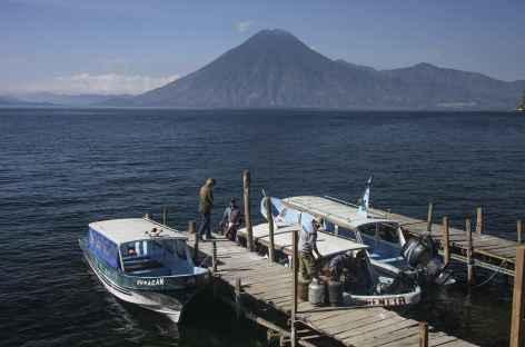 Départ pour notre randonnée sur les bords du lac Atitlan - Guatemala -