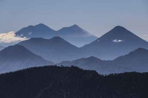 Vue sur la Cordillère Volcanique depuis le sommet du San Pedro - Guatemala -
