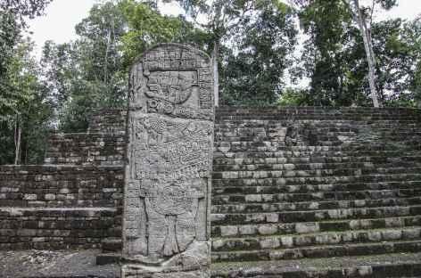 Sur le site Maya d'Aguateca - Guatemala -