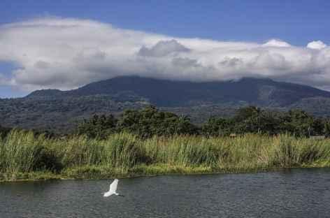 Le volcan Mombacho et le lac Nicaragua - Nicaragua -