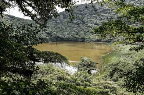 Le lac de cratère du volcan Maderas sur l'île Omotepe - Nicaragua  -