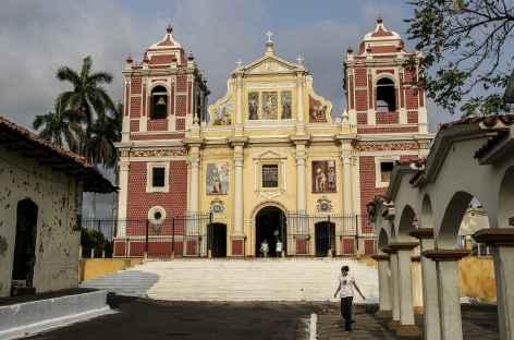 L'église bicolore de Léon - Nicaragua  -