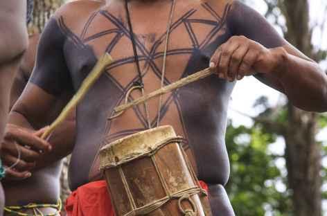 Peintures corporelles chez les Emberas - Panama -