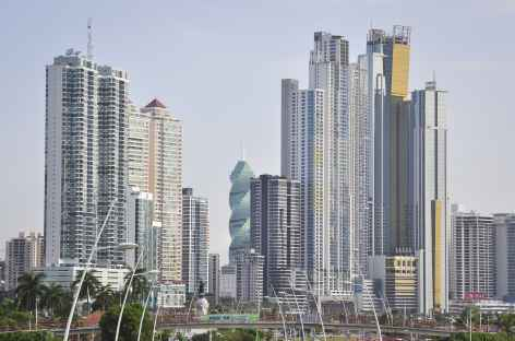 "La ""skyline"" de Panama City -"