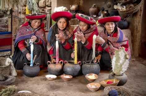 Rencontre avec des tisserandes à Chinchero - Pérou -