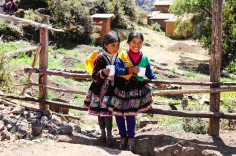 Ecolières à Paru Paru - Pérou -