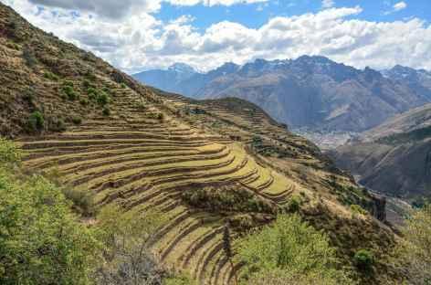 En chemin vers Huchuy Qosqo - Pérou -
