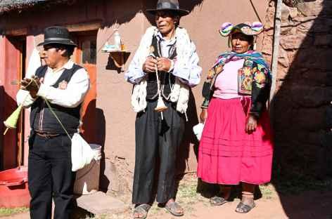 Habitants de Llachon - Pérou -